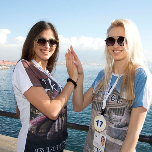 Wave of Miss in the city of Naples