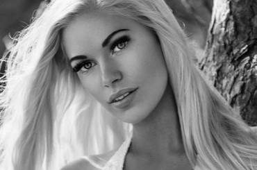 BLACK AND WHITE SUMMER SHOOTING FOR MISS EUROPE CONTINENTAL SWEDEN